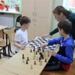 Занятия в шахматном клубе